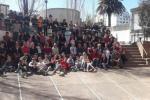 "El Liceo N°5 recibió al alcalde del Municipio B durante la ""Jornada de pintura""."
