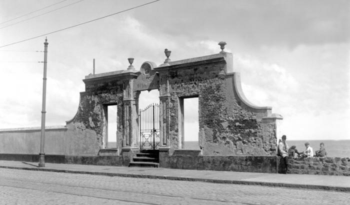 Baños del sur. Año 1920 (Foto 177b FMH.CMDF.IMM.UY)