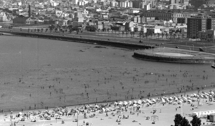 Playa Ramírez y Barrio Palermo. Año 1952 (Foto 8749 FMH.CMDF.IMM.UY)