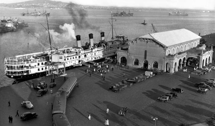 Puerto de Montevideo. Año 1941 (Foto 7758 FMH.CMDF.IMM.UY)