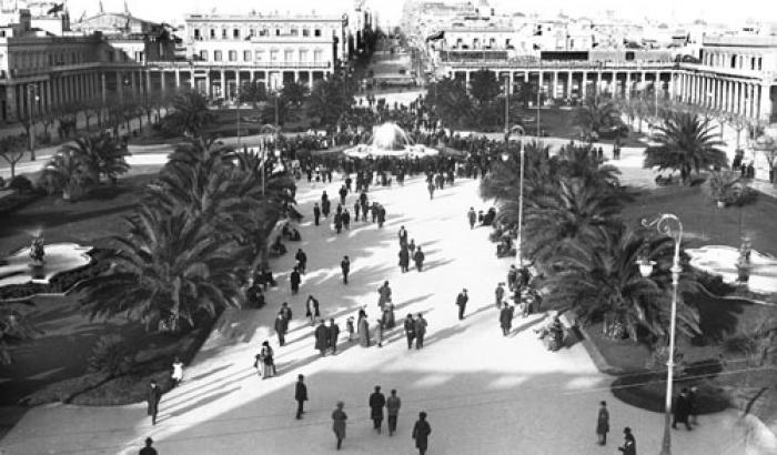 Plaza Independencia año 1916 (Foto 1072 FMH.CMDF.IMM.UY)