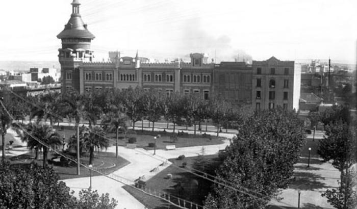 Plaza de los Treinta y Tres Orientales  año 1931 (Foto 5621 FMH.CMDF.IMM.UY)