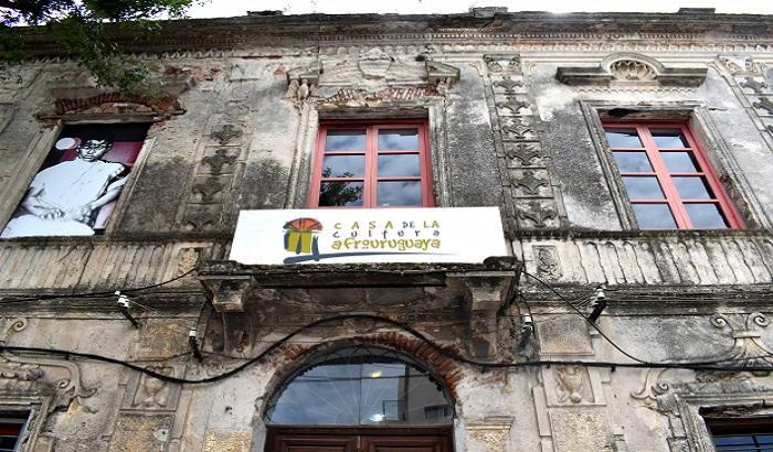 Comenzaron los trabajos de reparación de fachada de la Casa de la Cultura Afrouruguaya.